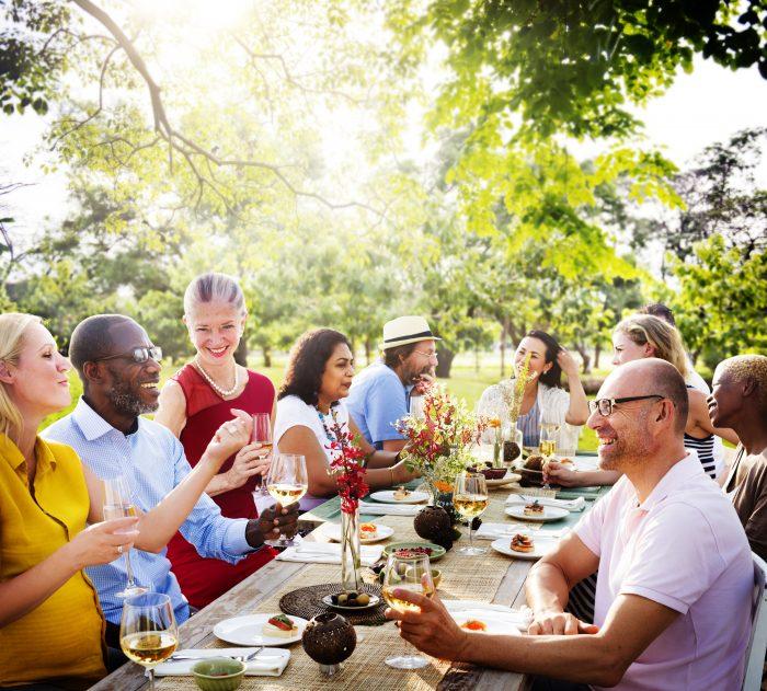 Få hjälp att arrangera en stämningsfull bröllopsfest i Stockholm och Göteborg