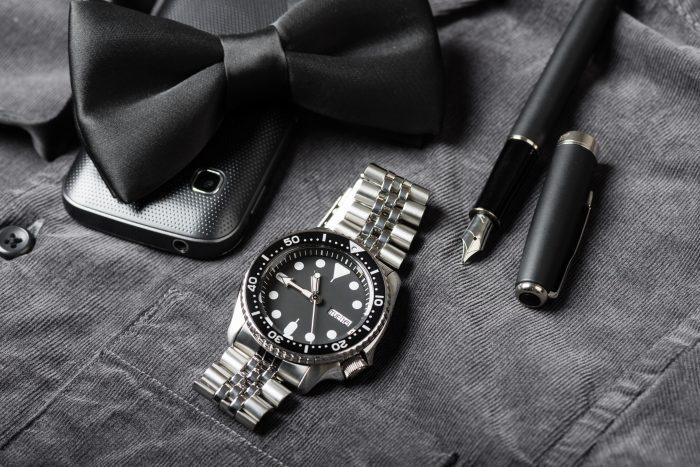 Köp lyxiga och dyra klockor från exklusiva varumärken till bra priser på nätet