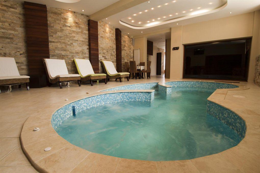 Utrusta din pool med värmepump. Så får du en längre säsong och bättre utnyttjande av bassängen - ArtikelHubben