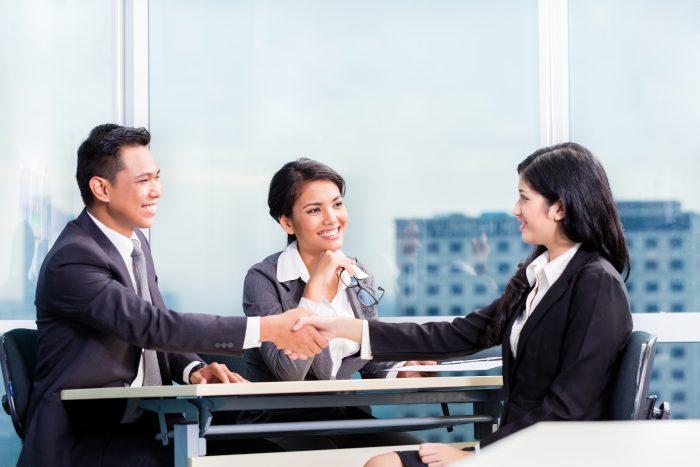 Vad gör en HR-specialist och vilken utbildning behövs för jobbet?