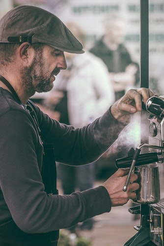 Att välja kaffemaskin till en restaurang eller ett café så väljer du rätt maskin för dig och din verksamhet