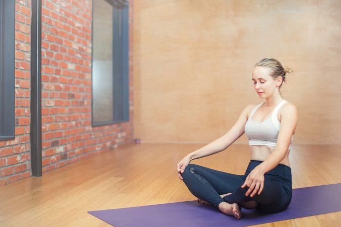 Ryggskottsbehandling och övningar som du kan göra hemma