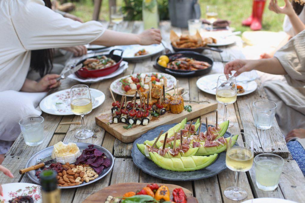 Vissa restauranger i huvudstaden erbjuder väldigt stora menyer för catering | Artikelhubben