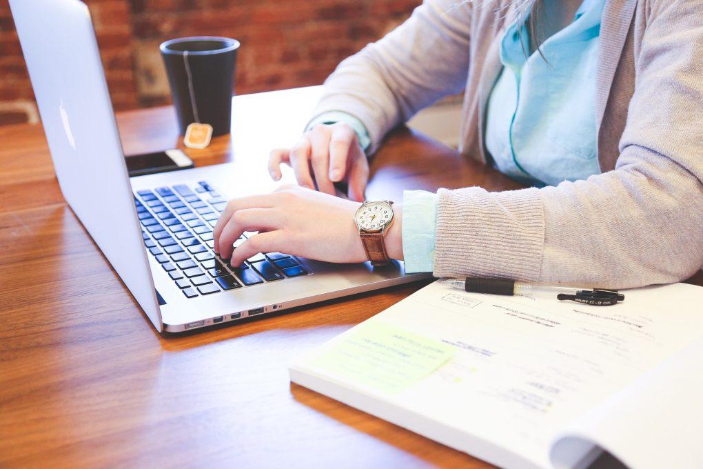 Digital läromedel från professionell | Artikelhubben
