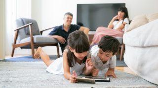 köper mobilabonnemang för barn